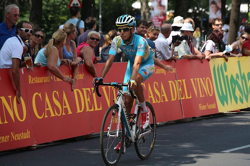 L'audacieux Aru en haut de l'affiche du Giro