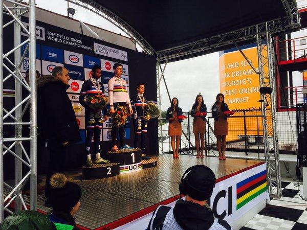 Championnats du Monde: Jens Dekker devant Mickaël Crispin et Thomas Bonnet