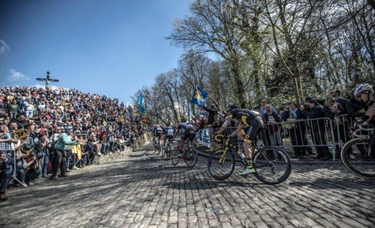 La ferveur populaire - Tour des Flandes.