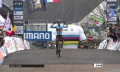 Eli Iserbyt est sacré champion du monde U23, Yan Gras 3ème