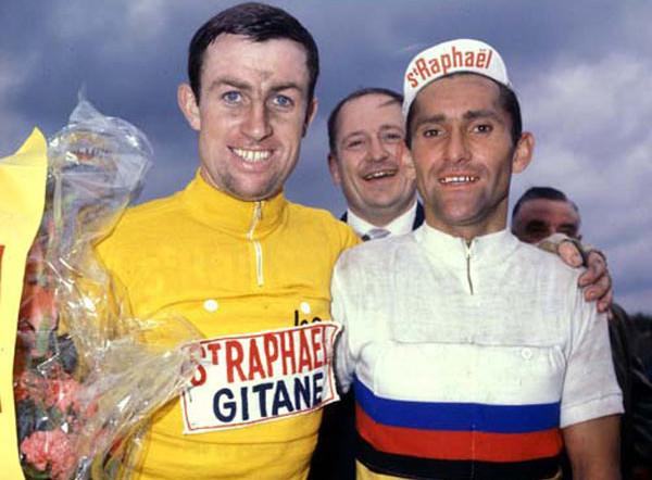 Shay Elliot en jaune aux côtés de Jean Stablinsky champion du Monde